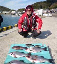 神谷一文字でのフカセ釣り、魚種多彩にたのしめます