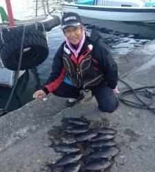 グレ大漁です☆良型の真鯛も上がりました!