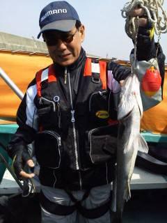 今日の沖の北でのウキ釣り、チヌ・ハネあがってます