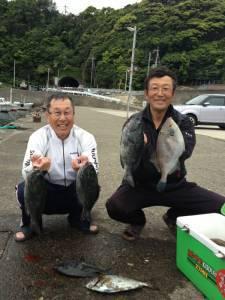 沖の赤島グレにラケットにアイゴも釣りました!