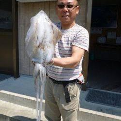 湯浅の磯、エギング・ヤエン・ウキ釣りでアオリイカの釣果☆