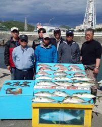 マリーナシティ釣り堀釣果、青物・鯛にタコまで釣れました!