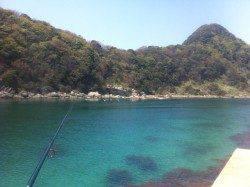 竹野海岸の端っこにある堤防&テトラにて穴釣り