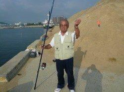 洲本 投げ釣りでキス10匹 赤潮も無く釣り日より