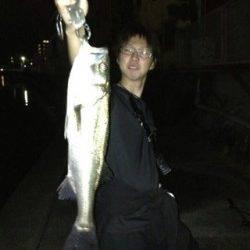 紀ノ川河口、渋い日でしたがシーバス★