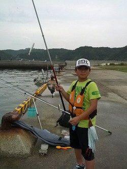 加太漁港 サビキでアジ&イワシ 投げ釣りでキスのファミリー釣果☆