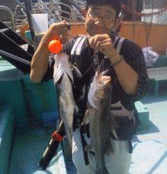 8日、沖の一文字・旧の赤灯台でのウキ釣りハネ釣果情報