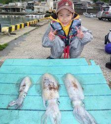神谷一文字 ヤエンでアオリイカ〜1.6kgの釣果