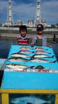 マリーナシティ海洋釣り堀  マダイ&ハマチのキッズ釣果