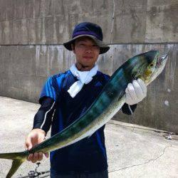 神谷漁港 のませでシイラ86&66cmゲット! ジグにもアタリあり☆