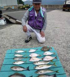 イサキに丸アジにマルハゲetc カゴ釣りで大漁♪