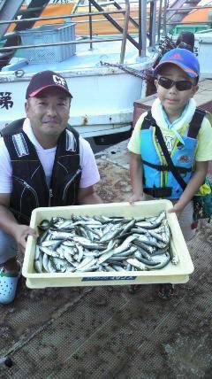 沖一文字北でお父さんと一緒にサビキ釣り☆