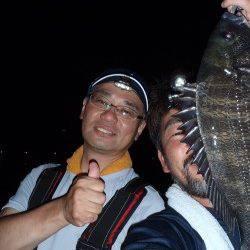 大阪南港 友人とのチニング釣行でチヌ41cm