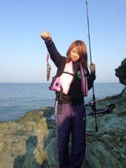 雑賀崎 エギングでアオリイカ数釣り ヒットカラーはレッド&ピンク☆