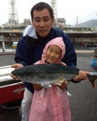 【雨の中頑張りました!】釣り堀ファミリーフィッシング♪