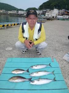 神谷沖一文字 カゴ釣りでイサギ&ゴマサバの釣果
