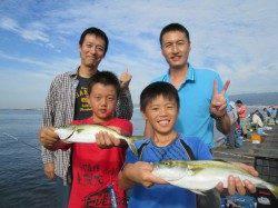 尼崎市魚つり公園 サビキのアジの他、サバ、サヨリ、ツバスも狙い目
