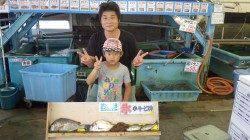 一本松漁港、親子で釣り、多魚種釣れています!