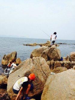 島陰にて磯遊び♪ ロックフィッシング&投げ釣りも楽しみました