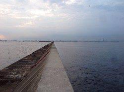 サバ釣りで賑わう武庫川一文字へ〜仕掛けは蓄光ピンクサビキで