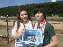 大阪南港魚つり園 サビキでアジのほかサッパとイワシも少々