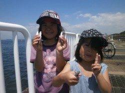 豆アジとサバが釣れています。25日南港魚つり園