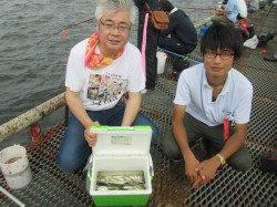 尼崎市立魚つり公園 アジとサッパが大漁!