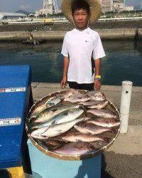 マリーナシティ海洋釣り堀 タイ・シマアジ・ハマチ