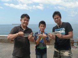 和歌山北港魚つり公園 カゴ釣りで良型アジ・サバの釣果