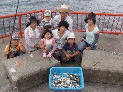 平磯海づり公園 家族でサビキ釣り♪ 豆アジ大漁でした