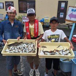 和歌山マリーナシティ サビキでアジ大漁 他キスや小ヒラメも