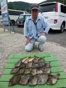 ヒラバエにてズボ釣りでカワハギ大漁☆