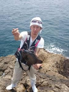沖の赤島の底物釣果〜イシガキダイをキャッチ