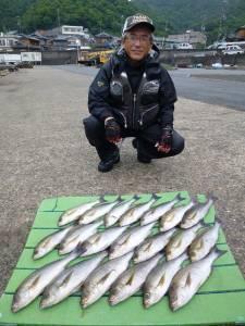 沖一文字内向き 通し釣りで良型イサギが大漁!
