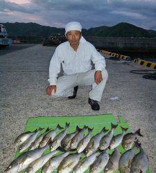 神谷沖一文字で夜通しのカゴ釣り イサギ21匹