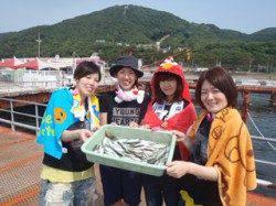 須磨海づり公園で小アジ・小サバ〜釣りガールのサビキ釣果☆