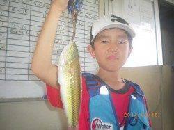 釣りガールがチヌをキャッチ 姫路市立遊漁センター