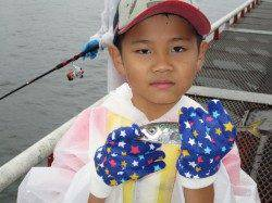 尼崎市立魚つり公園 サビキのアジは今日も爆釣!