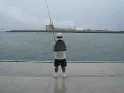 生穂でキス投げ釣り〜シーズン初の夜釣りは雷のため終了