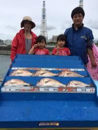 マリーナシティ海洋釣り堀、初めての釣りで、ビックリ!!