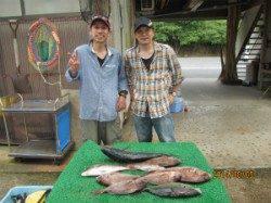 海上釣堀で色々な魚を楽しみました!
