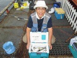 尼崎市立魚つり公園 朝一時間ほど良い型のアカアジの回遊ありました