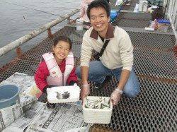 爆釣サヨリ180匹! 尼崎市立魚つり公園