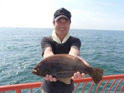 平磯海づり公園 のませ釣りで記録賞サイズのヒラメ!