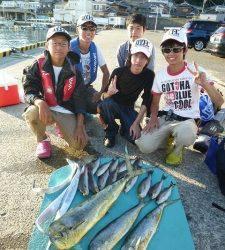 神谷沖一文字 ルアーでシイラ・タチウオ カゴ釣りでイサギの釣果