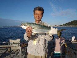須磨海釣り公園 のませでメジロ63cm