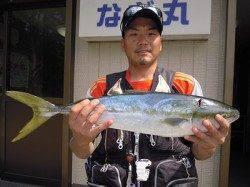 【22日】湯浅の磯でヤエン釣り 生けアジでハマチ62cm