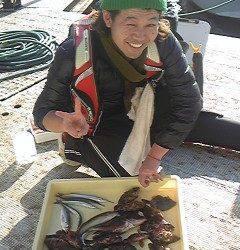 岸和田一文字 沖の北、中波戸3番でガシラと良型アコウの釣果