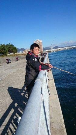 西宮でサヨリ釣り 9時半すぎから1時間半ぐらいの釣行で30匹