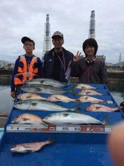 マリーナシティ海洋釣り堀 マダイの好釣果出てます